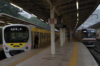 2018年5月13日、入間市、38105Fの5121レ(左)とメトロ10010Fの1715レ。