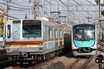 2018年5月19日、西所沢、メトロ7002Fの1814レ(左)と40102Fの4143レ。