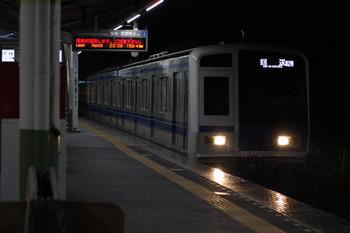 2018年6月8日 22時33分ころ、元加治、通過する6155Fの下り回送列車(02M運用)。