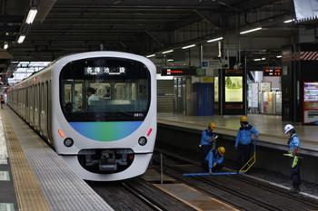 2018年6月12日、所沢、38111Fの5204レと4番ホーム線路での検測作業。