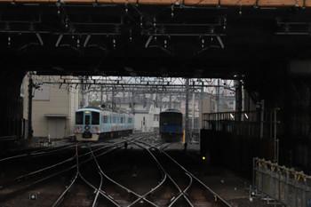 2018年6月24日 8時26分ころ、池袋、発車した4009Fの下り臨時列車(左)と電留線に留置の20102F(右)。