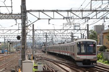 2018年7月8日 16時6分ころ、保谷、2番ホームへ到着する東急5153Fの上り回送列車。