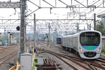 2018年7月8日 16時28分ころ、保谷、24番線から2番ホームへ入る38107F。今回も、この入換のため上り列車(4356レ)が足止めされてます。