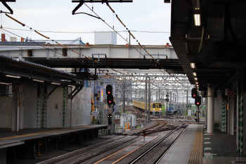 2018年7月8日、所沢、2063Fの5204レほか。駅南側の元・跨線橋は床を残してきれいに撤去。