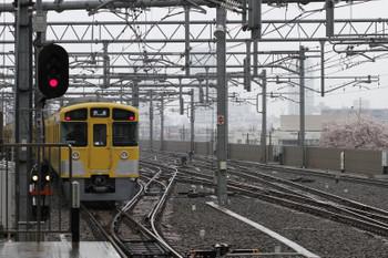 2018年4月8日 9時6分ころ、石神井公園、2番ホームから発車した2073Fの下り回送列車。
