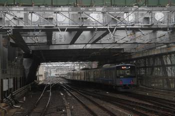 2017年5月13日 7時1分ころ、池袋、2108レで到着した20103Fが椎名町方の電留線に入るため足止めの1001レ送り込み回送の4000系。