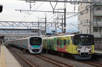 2018年8月19日、仏子、20158Fの1002レ(右)と38109Fの下り回送列車。
