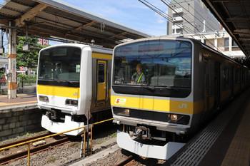 2018年8月19日10時ころ、津田沼、総武線E231系の二つのお顔。