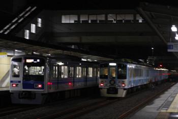 2018年9月3日 21時36分ころ、仏子、中線の4009Fの下り回送列車と発車した6158F(LAIMO)の2195レ。