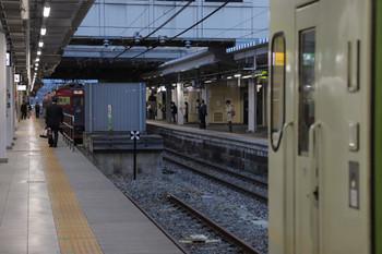 2018年11月12日、長野、4番ホーム側から3番ホーム側を見たところ。