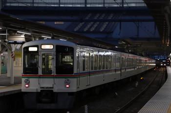 2018年9月8日 18時6分ころ、所沢、4番ホームを通過する4005F+4021Fの下り回送列車。