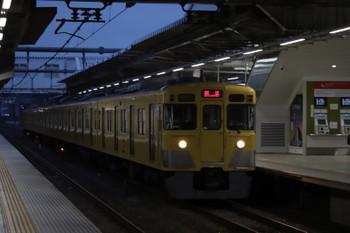 2018年9月15日 5時30分ころ、所沢、2番ホームを通過する2021F?の上り回送列車。
