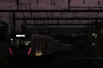 2018年9月17日、飯能、4番ホームから発車する40103FのS-Train 404レ。