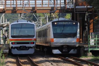 2018年8月26日 7時29分ころ、金子、E233系の東京ゆきと川越ゆきの交換。