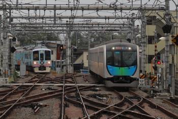 2018年9月22日 8時6分ころ、飯能、秩父方から到着の4009Fの上り回送列車(左)と40101Fの3101レ。