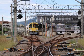 2018年9月22日 12時52分ころ、西武秩父、右から10107Fの臨時特急「ちちぶ90号」、到着した10109Fの13レ、2069Fの5034レ、そして秩父鉄道の上り列車。