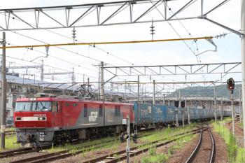 2018年7月27日 15時1分ころ、福島、EH500-55牽引の上り貨物列車(トヨタ/ロング/パス?)と福島交通の旧型 7000系電車。