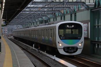 2018年9月29日 6時11分ころ、練馬、通過する38102Fの上り回送列車。