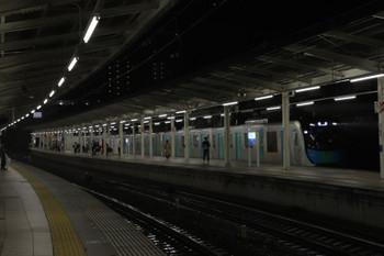 2018年9月30日、入間市、5番ホームに到着する40103Fの上り回送列車。本来はS-Train 404レ。