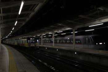 2018年9月30日 18時14分ころ、入間市、20158Fの2164レを追い抜いた10107Fの上り回送列車(本来は40レ)。