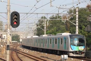 2018年10月17日、小平、拝島線HMを付けた40105Fの2754レ。