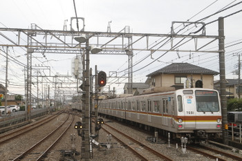 2017年7月2日 17時30分ころ、西所沢、1番ホームから発車したメトロ7031Fの7302レ。