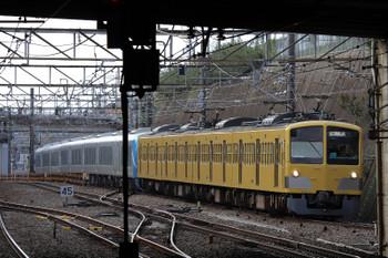2018年10月28日 10時46分ころ、新秋津、263Fに牽引され小手指へ向かう西武の新型特急車の第1編成。