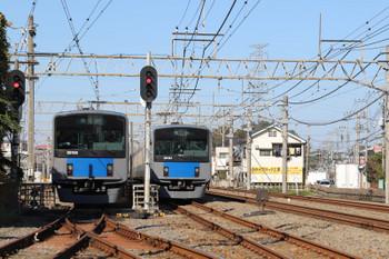 2018年11月10日 10時43分ころ、南入曽車両基地、新所沢駅から会場へ向かう20154Fの下り臨時列車(右)が到着。20155Fの会場発と並びました。