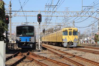 2018年11月10日 10時47分ころ、南入曽車両基地、会場ゆきの20154Fが発車後も5703レの通過を見送る20155Fの新所沢ゆき臨時列車。