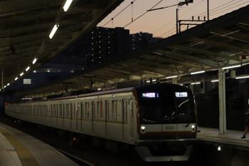 2018年11月24日、入間市、メトロ10001Fの1718レ。