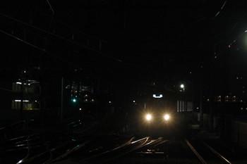 2018年11月30日 5時53分、石神井公園、3番ホームへ到着する20151Fの上り回送列車。