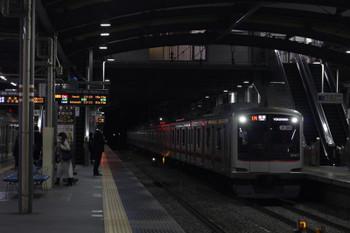 2018年12月7日、ひばりヶ丘、横浜ゆきの各停6818レ。車両は東急5171F。