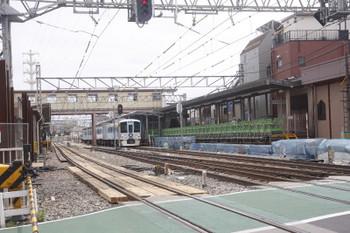 2017年6月11日 10時57分ころ、沼袋、通過する4009Fの下り列車。
