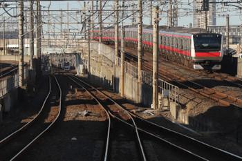 2019年1月1日 14時44分ころ、蘇我、E233系の京葉線下り列車と217系の総武快速線直通列車。