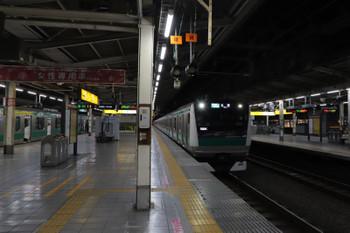 2019年1月2日 5時59分ころ、池袋、湘南新宿ライン・北行ホームへ逆線到着する埼京線の上り列車。