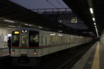 2019年1月1日、武蔵藤沢、4019F+4013Fの2002レ。