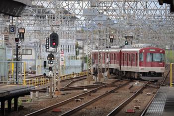 2018年10月6日 13時19分ころ、新田辺、入庫する3103ほか。