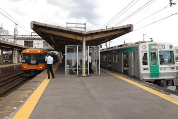 2018年10月6日 13時28分ころ、新田辺、奈良ゆき急行が橿原神宮前ゆき特急を待避。