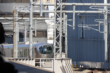 2019年1月13日 11時57分ころ、高田馬場~下落合、001系の上り試運転列車。一旦停止。