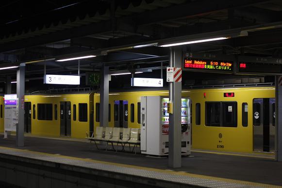 西武・東長崎駅の夜間滞泊を見ま...