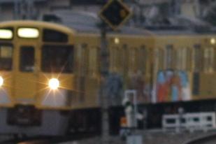 2011年11月11日 6時28分頃、所沢、下り回送列車の2063F。