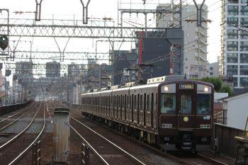 2018年10月6日 16時47分ころ、今里、茶色塗装電車の普通 東生駒ゆき。