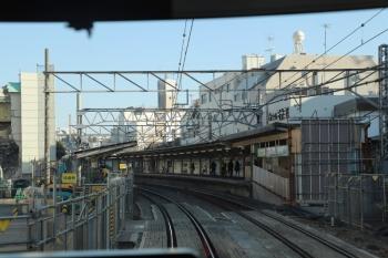 2019円1月13日、新井薬師前、上り列車の先頭から。