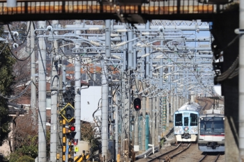 2019年1月19日、武蔵藤沢〜稲荷山公園、4009F(52席)の下り列車と東急4109Fの1708レ。