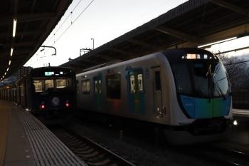 2019年1月26日、入間市、20104Fの4147レ(左)と40104Fの2160レ。