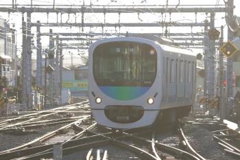 2019年1月27日 7時35分ころ、飯能、2・3番ホームへ到着する38110Fの下り回送列車。