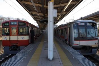 2019年2月2日、入間市、9103Fの4133レ(左)と東急4103Fの1711レ。