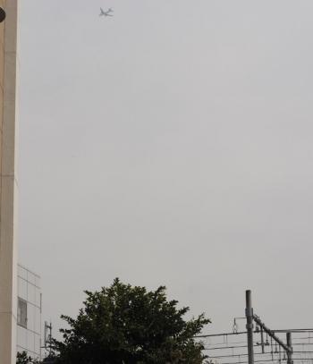 2019年2月7日 12時39分ころ、高田馬場駅近くから東の空を見たところ。