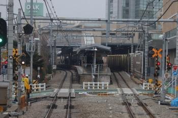 2019年2月9日、大泉学園、到着する下り列車の車内から。