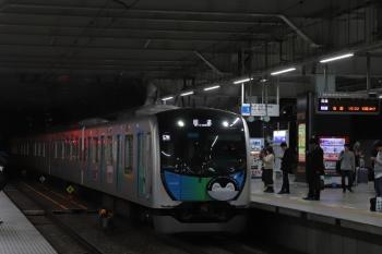 2019年3月27日 19時18分ころ。所沢。電留線から3番ホームへ入線する40103Fの上り回送列車。